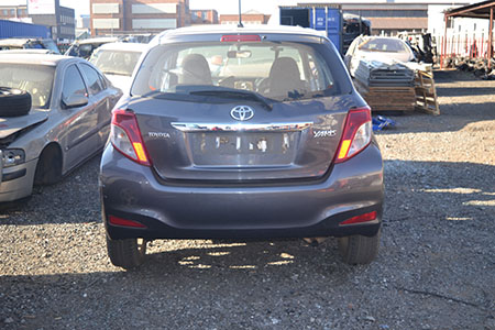 toyota yaris 1.3 t3 now stripping for spares